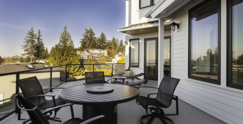 Back-Deck-Light-House-on-Puget-Sound-820x420.jpg