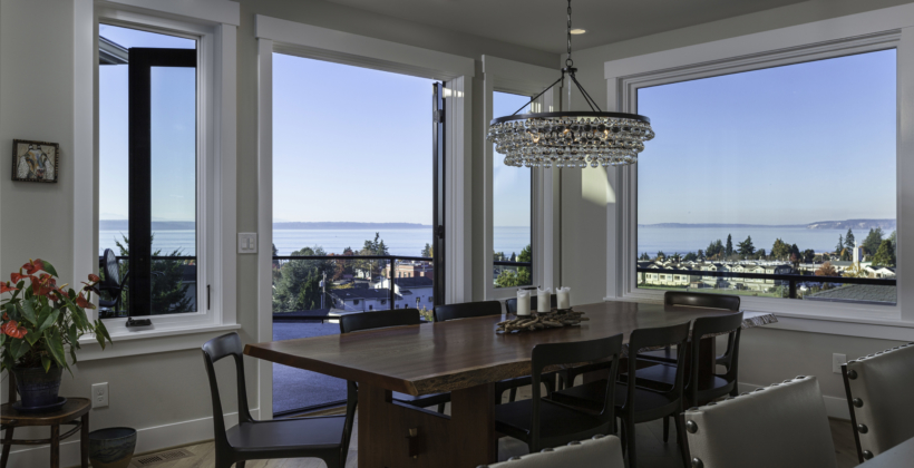 Dining-Light-House-on-Puget-Sound-820x420.jpg